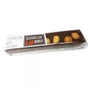 Schokoladen-Riegel mit piemonteser Haselnüssen